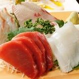 新鮮な旬の魚介を使用したお刺身盛り合わせも◎