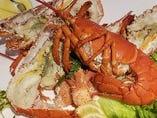 【活けオマール海老】 オマール海老料理、始めました。