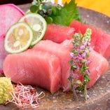 毎朝市場で仕入れる鮮魚は鮮度も抜群です。