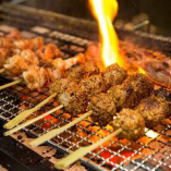 串焼き一本140円~、紀州の赤鶏 熊野牛炭焼き980円~。