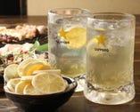 レモンを漬け込んだハイボール!爽やかでおいしいです。