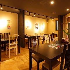 テーブル席(1~4名様×2卓)