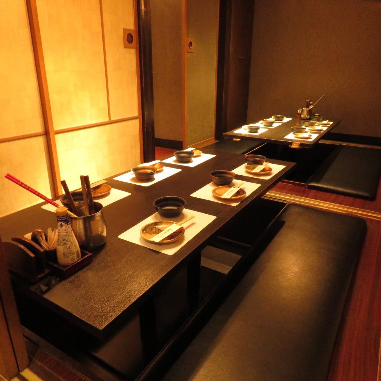 落ち着いた雰囲気の6名様までテーブル席◎完全個室でゆったり♪