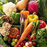 野菜にもこだわり、その日に良いものだけを厳選し仕入れています