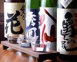 全国の銘酒は日替わりで常時約60種