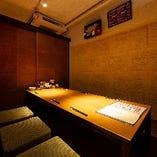 【完全個室】 和の雰囲気漂う和個室でプライベートな時間を