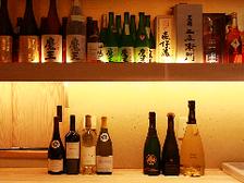 お料理に合ったお酒を各種取り揃えております。