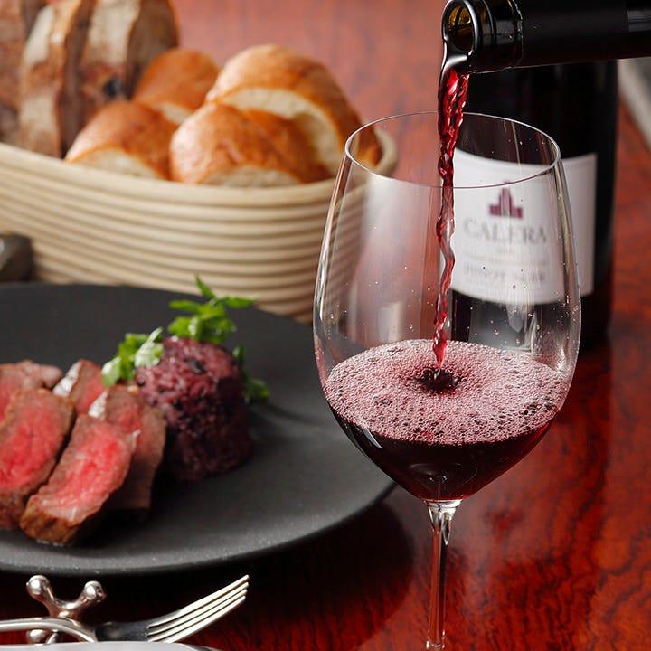 気軽に楽しめるグラスワイン常時15種
