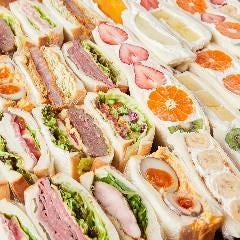 N.Y STAND 小山店 sandwich&Freshjuice