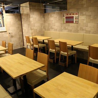 焼鳥とワイン カッシーワ 天王寺店  店内の画像