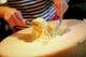 目の前で仕上げる豪快パルミッジャーノのスパゲッティ
