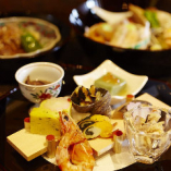 富山の四季折々の食材を使い、目にも楽しい和食に仕立てました。