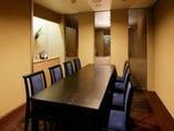 地下一階、テーブル席