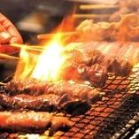 【ジューシーな焼鳥】 炭火でじっくり丁寧に焼き上げます。