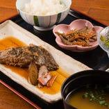【ランチ】人気の日替わりメニュー20以上の食材!800円(税込)