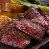 色鮮やかで風味良し、「一味違う黒毛和牛」と賞される「村上牛」