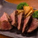 新潟県産の村上牛のステーキ