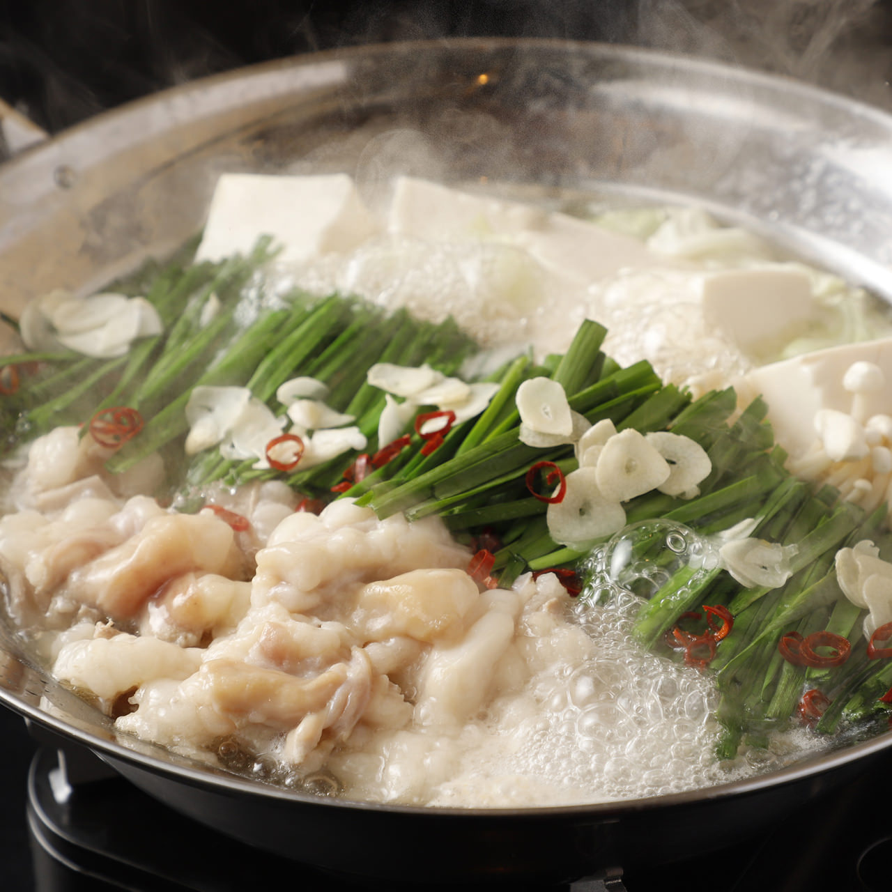 旨味が身体中に染みわたる絶品もつ鍋