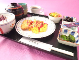 ベーコン入りスクランブルエッグ朝定食