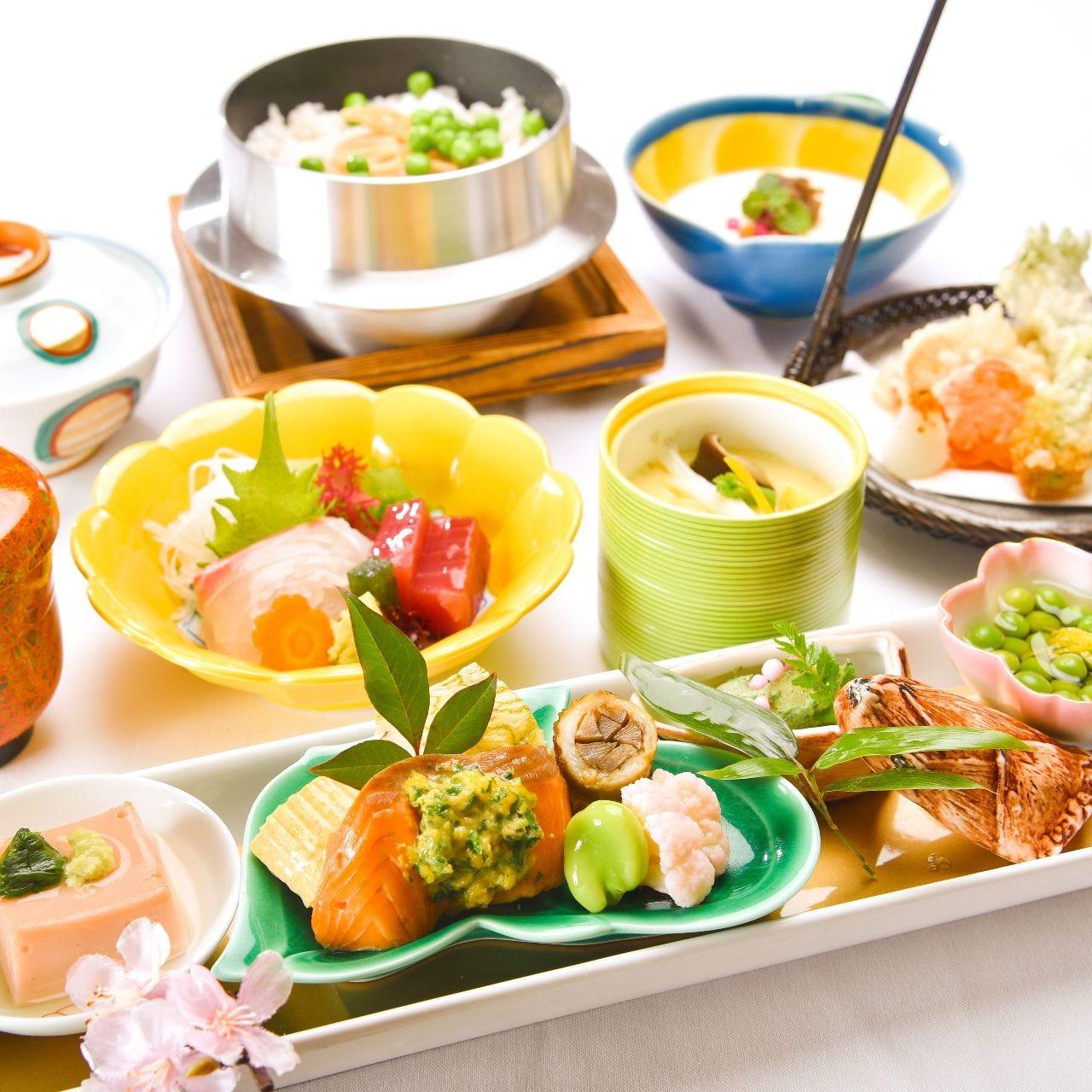 季節ごとの旬の食材を使った会席料理