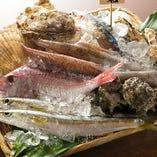 【魚尽くしのコース】魚貝鍋に刺身盛合せ・魚料理と魚づくしのコース!7品 3,000円