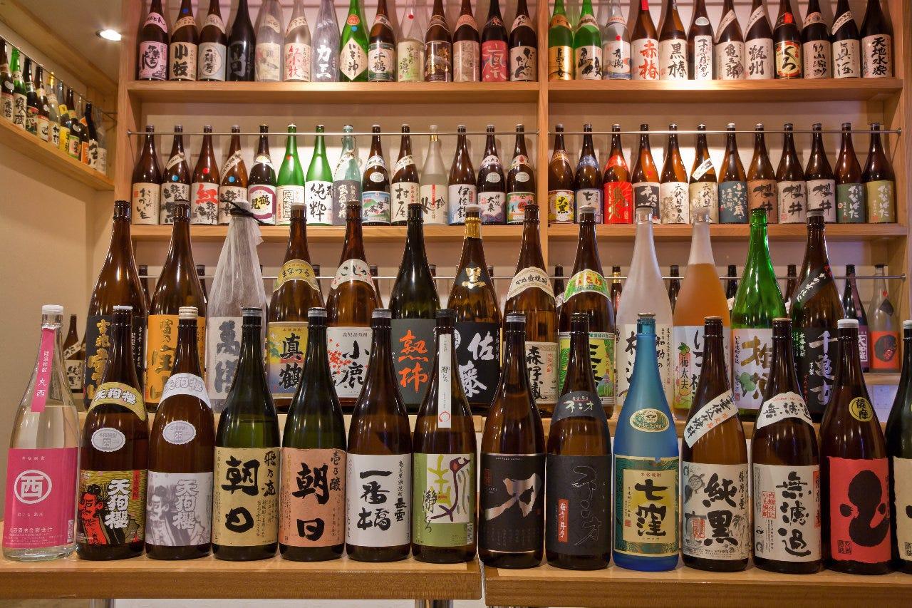 焼酎唎酒師が約380種の焼酎を厳選