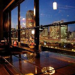夜景ダイニングバー Riverside bar Condo 北浜
