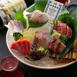 ☆近大マグロと選抜鮮魚のお造六点盛り 2名様2400円(税抜)