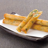 海老春巻 <1本>350円(税抜) プリプリ海老の食感がたまりません。