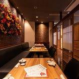お食事処としても人気の温かみのある落ち着いた空間