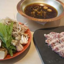 鴨と野菜の旨味が染み出す贅沢な鴨鍋