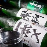 出張者や観光客にも喜ばれる、福岡の地酒をご用意しています。