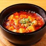 うまうま辛い麻婆豆腐を、アツアツの石焼で☆