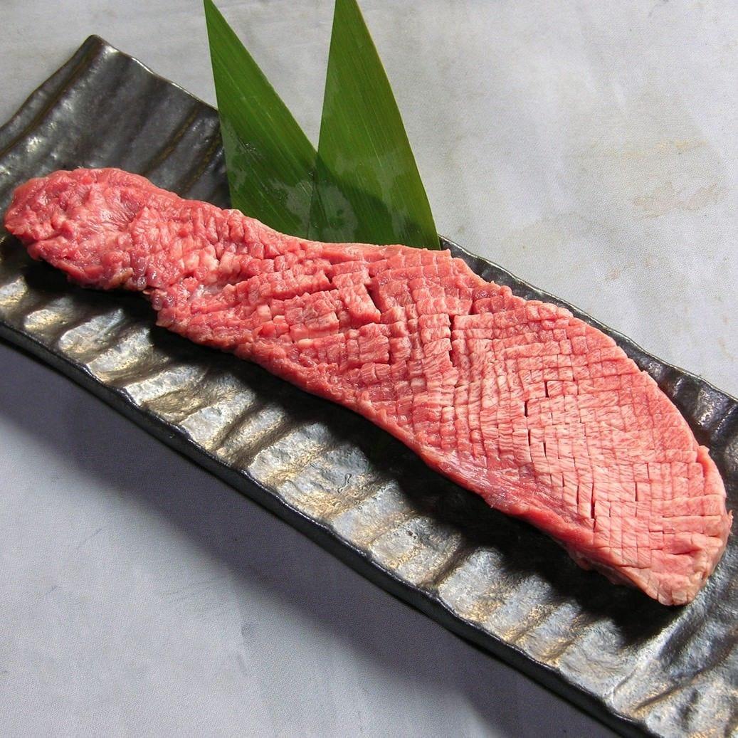 <名物>牛タン一本焼き1,590円