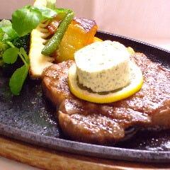 6.和牛サーロインのステーキ、温野菜添え(要予約)