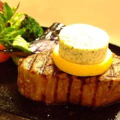 5.和牛フィレ肉のステーキ、温野菜添え