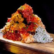 ネタ爆盛り!海鮮こぼれ寿司をご堪能