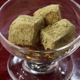 黒蜜抹茶蕨餅