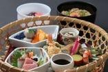 【お昼のおすすめ】 竹篭膳  (3,675円)