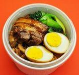 1:魯肉飯(ルーロー飯)