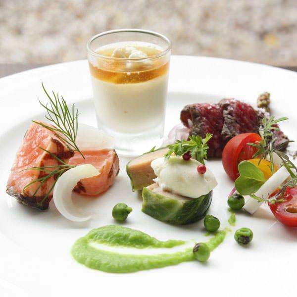 オードブルヴァリエ 一口サイズの料理が数種類楽しめる盛合わせ