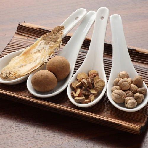 医食同源に基づいた数十種類の健康食材から抽出したスープ