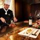専属のシェフがお客様の食事ペースに合わせて調理