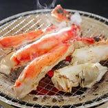 追加メニューに!生たらば七輪焼き。蟹の旨味を五感で味わう♪