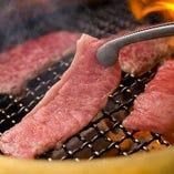 最大限に美味しく召し上がっていただきたいと、店内は全て炭火をご用意。