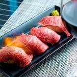 厳選神戸牛メニュー多数あり◎軽く炙った肉寿司はリピーター続出