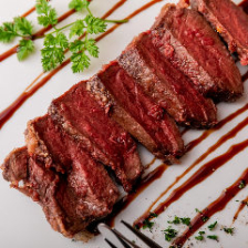 タンや肉寿司など多彩な肉づくし料理