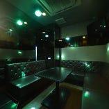 【変化するライティングで盛り上がれる個室】 ライティングルーム