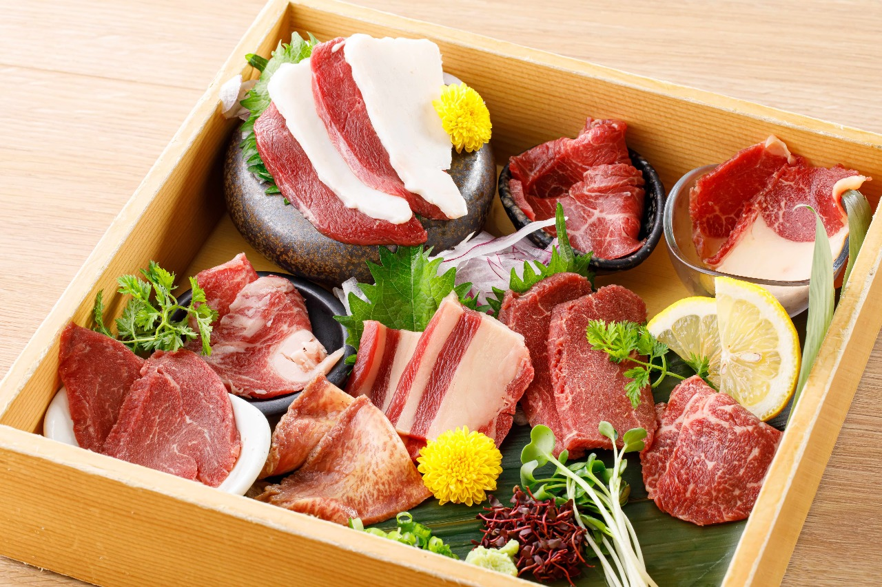 個室 肉寿司と飛騨牛もつ鍋 くずし割烹 たてがみ金山駅店