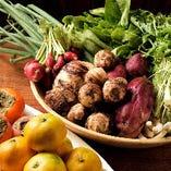 地元の契約農家から届く野菜